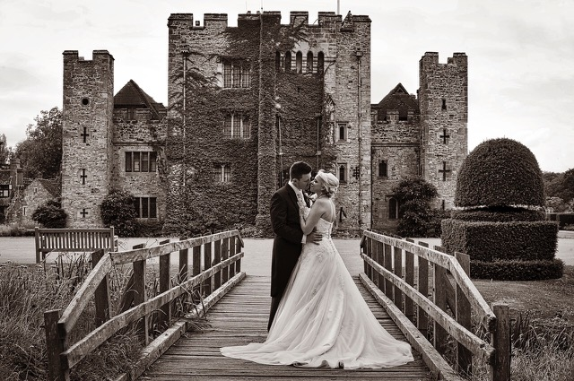 bride and groom at Hever Castle tunbridge wells. kent